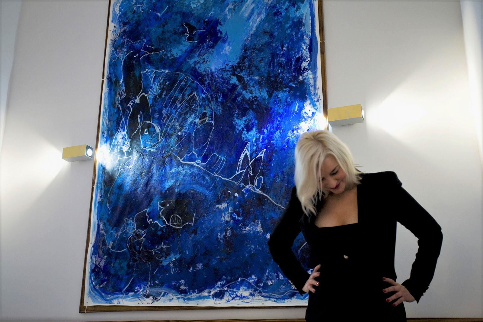 Big Blue, object art, animal skin 2.30 x 1.55 meter, object painting, cycle Trophaeen - Kim Okura at VCA Vienna City Apartments™