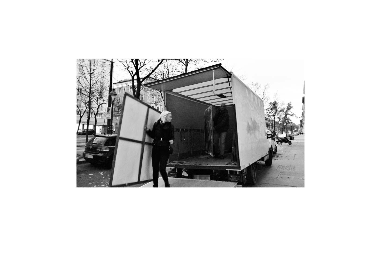 Kim Okura Trophaeen Schlepping Coram Publico Projekt Wienliebe performance 2017