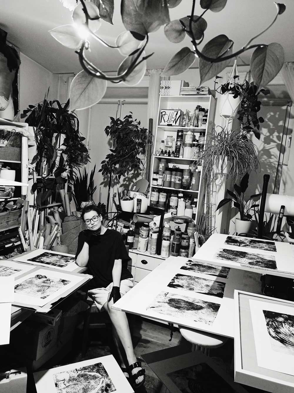 Kim Okura in her studio with fresh printed SCHWARZBLAUBLATTFUNKIEPORTAL Black Hosta sieboldiana Portals
