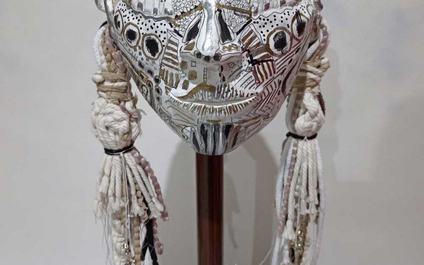 Sculpture Head of Okurita Kim Okura gold silver white black colores
