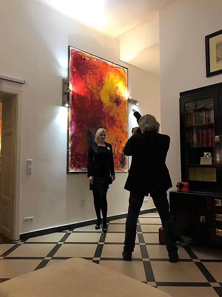 Kim Okura and BIG RED photo by Tibor Lakatos - Photographer Franz Johann Morgenbesser